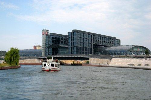DB-Hauptbahnhof am Humboldthafen